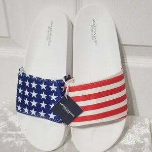 American Eagle Outfitters White  Flag Slides